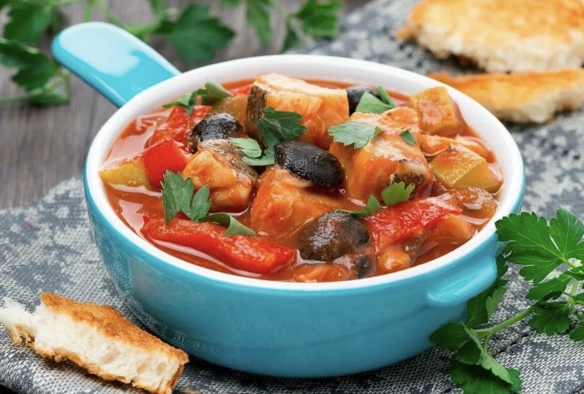 Рагу из красной рыбы с овощами