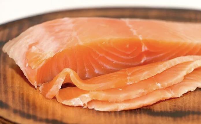 Красная рыба соленая с медом